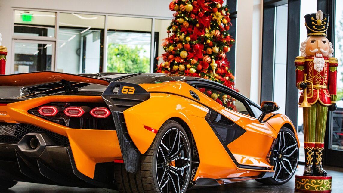 Как выглядит самый праздничный Lamborghini на 800 сил за три миллиона